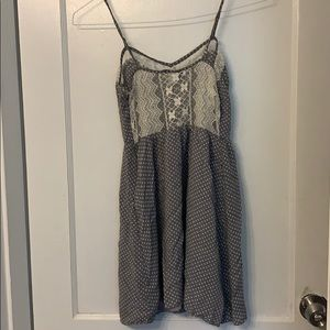 Forever 21 lace back dress
